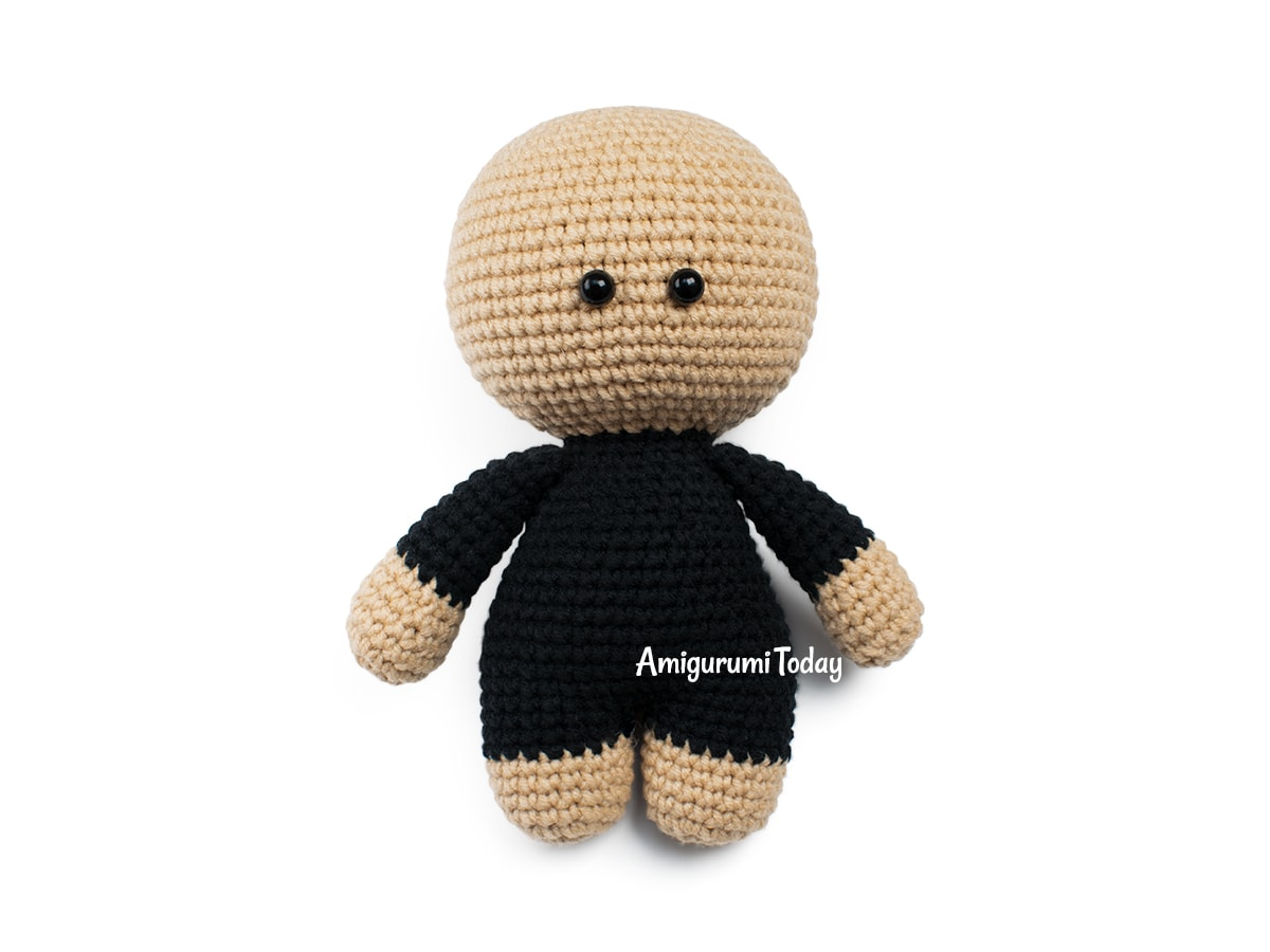Free amigurumi doll in mouse outfit crochet pattern - Head and body