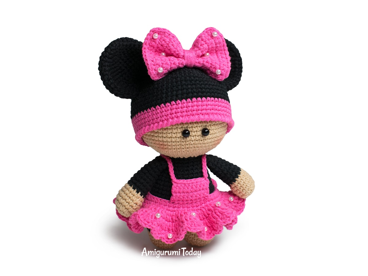 Free amigurumi doll in mouse outfit crochet pattern