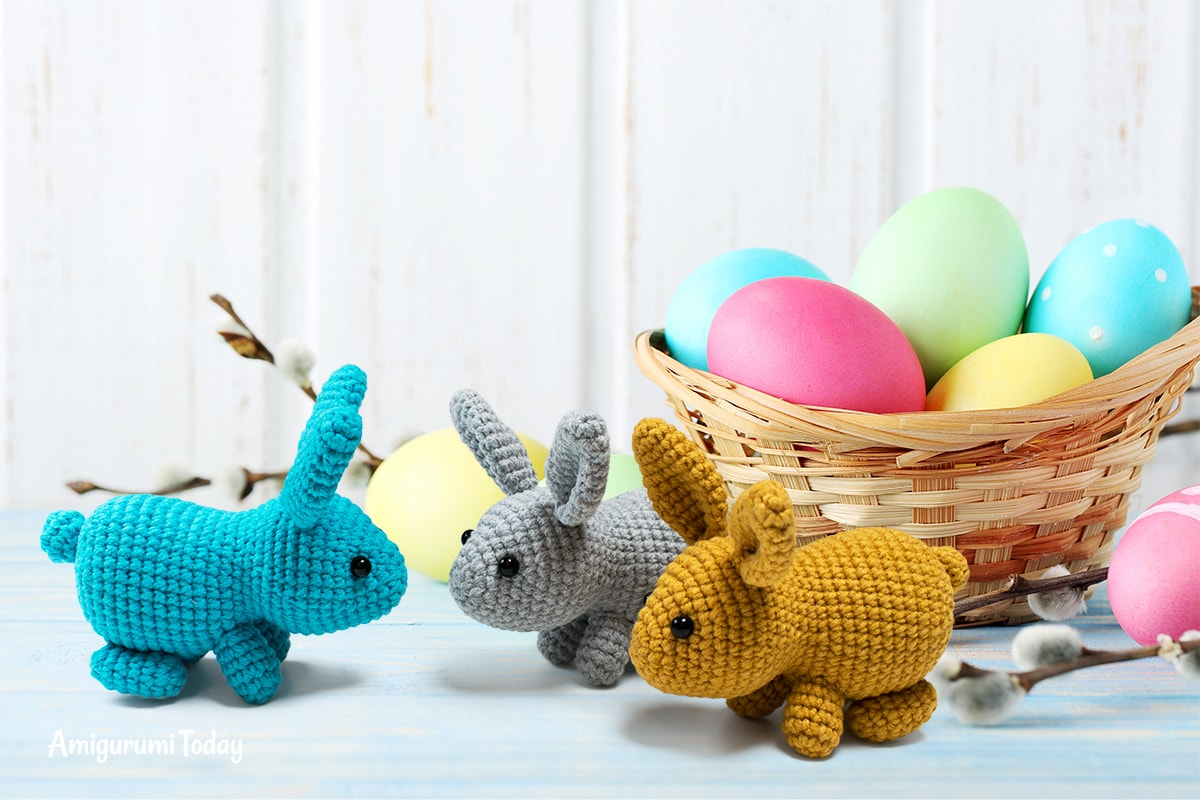 Free little Easter bunny crochet pattern by Amigurumi Today