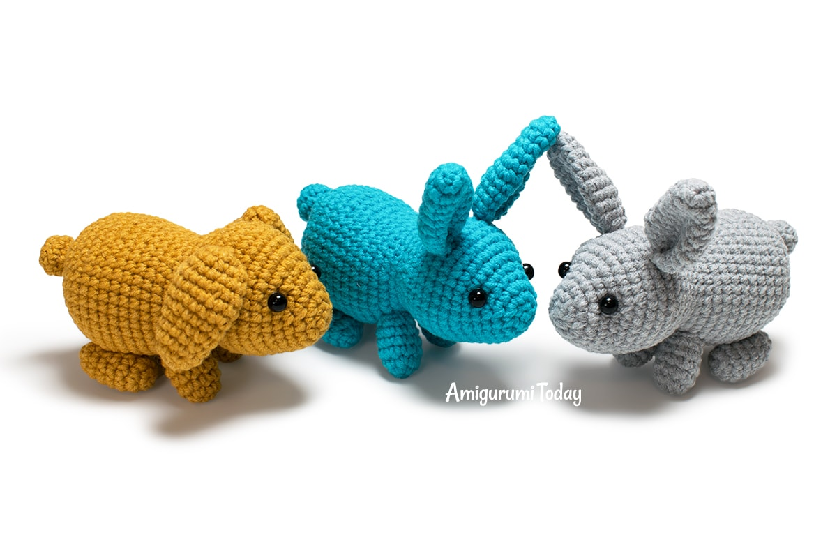 Little Easter bunny amigurumi pattern designed by Amigurumi Today